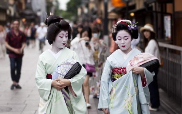 Bí mật thế giới Geisha Nhật Bản: Từ một nét văn hóa lâu đời, rèn luyện khổ cực đến ngộ nhận mua vui của thế giới
