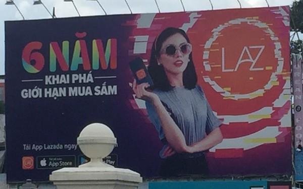 đầu tư giá trị - photo1530872871115 1530872871115843727265 - Lazada vs Tiki: Cuộc chiến Billboard ở TP Hồ Chí Minh