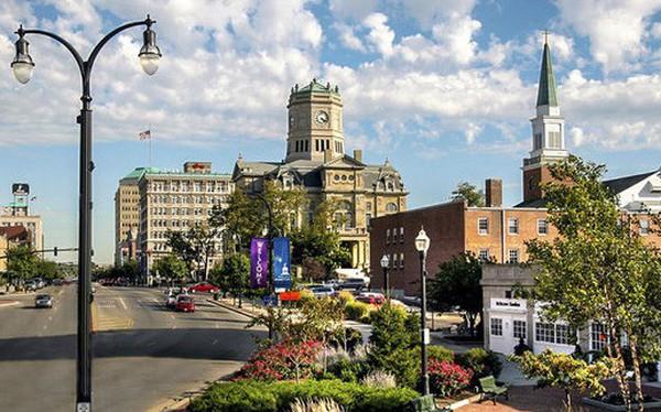 6 thành phố đẹp như thiên đường, Mỹ phải cho tiền dân mới chịu đến ở