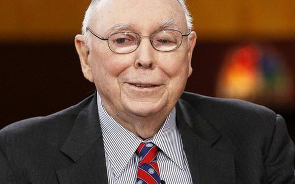 """Chưa từng tham gia khóa học tài chính nào vẫn trở thành huyền thoại giới đầu tư, tỷ phú 94 tuổi tiết lộ: """"Đây là luật sống, chìa khóa cho sự thành công"""""""