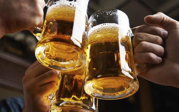 Nếu kiểm soát tiêu thụ rượu bia, kinh tế Việt Nam sẽ chịu tác động ra sao?