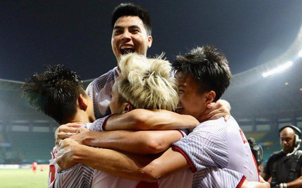 Văn Toàn sút tung lưới U23 Syria ở phút 108, đưa U23 Việt Nam vào bán kết