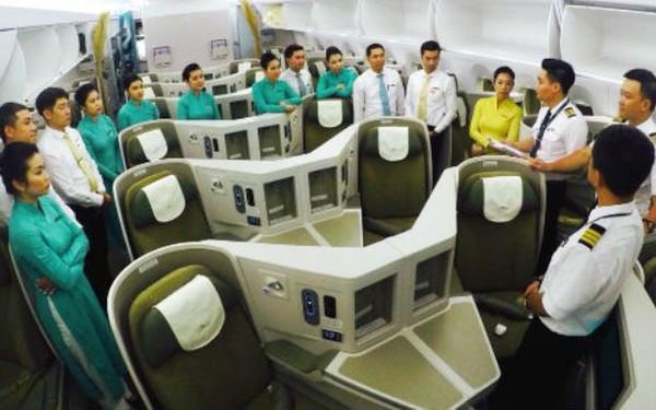 Cục Hàng không VN lên tiếng vụ hàng chục phi công Vietnam Airlines xin nghỉ việc và đòi khởi kiện