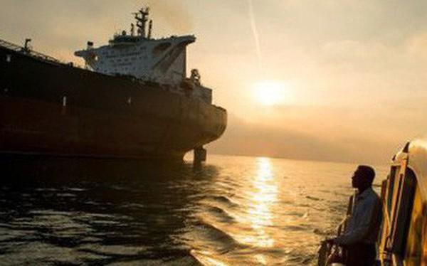 Giá dầu có thể lên 90 USD/thùng vì Mỹ tái trừng phạt Iran