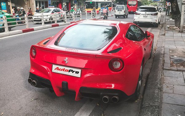 Điểm mặt những siêu xe và xe siêu sang được đại gia Hà Thành sử dụng để dạo phố cuối tuần