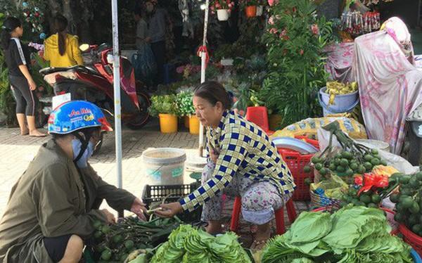 Độc đáo chợ trầu cau giữa lòng Sài Gòn