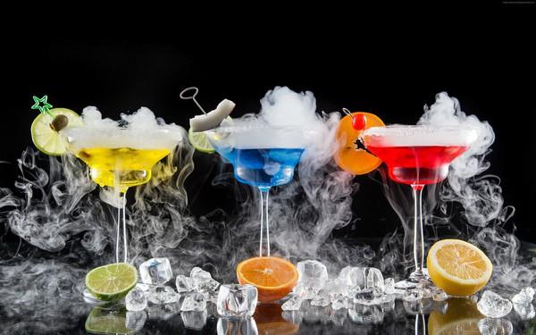 """Ly cocktail của người Mỹ: Triết lý """"sáng tạo tổng hợp"""" kiểu Apple"""