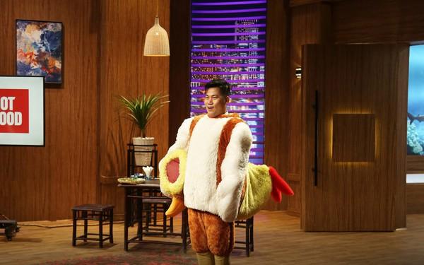 Lên sân khấu biểu diễn Chicken Dance, mời thịt gà các cá mập nhưng startup nuôi 'gà đi bộ' này vẫn phải ra về tay trắng
