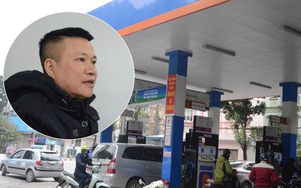 Hà Nội: Mang ô tô dung tích bình 70l đi đổ xăng, người đàn ông giật mình khi đổ 80l mới đầy, chủ cây xăng lên tiếng