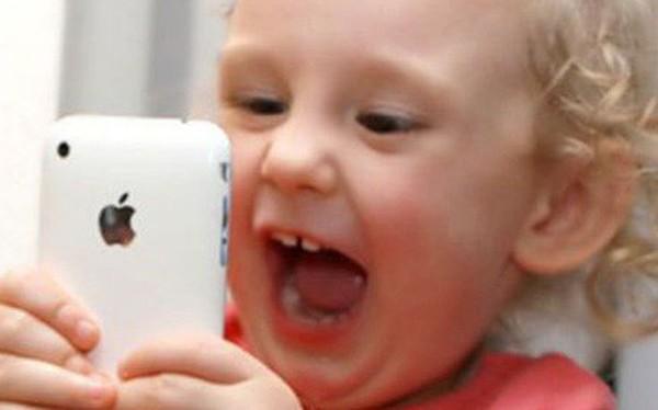 Apple bị yêu cầu hạn chế để trẻ em sử dụng iPhone