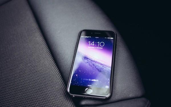 Người người nhà nhà đi thay pin, Apple hết sạch hàng dành cho iPhone 6 Plus