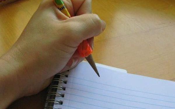 15 nỗi khổ mà chỉ những người thuận tay trái mới thấu hiểu nổi