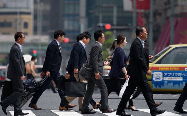Quá thiếu lao động, Thủ tướng Abe quyết sửa luật để tuyển nhân lực nước ngoài