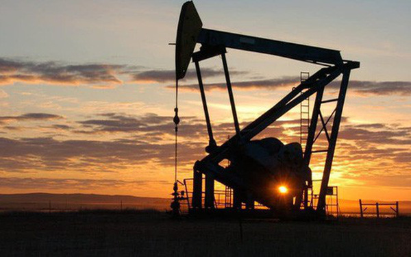 Đâu là nguyên nhân khiến giá dầu lại lao dốc liên tiếp và tương lai sẽ ra sao?