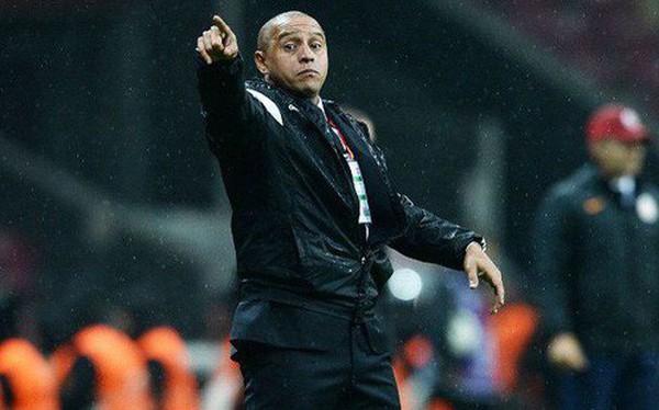 Huyền thoại Roberto Carlos bất ngờ nộp hồ sơ ứng tuyển tại Indonesia