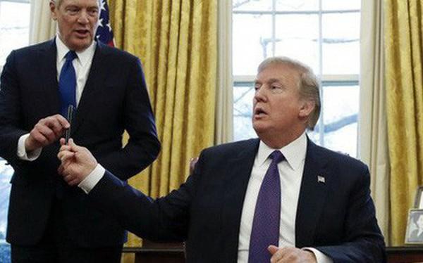 """Ông Trump cử cố vấn """"diều hâu"""" dẫn đầu đàm phán với Trung Quốc"""
