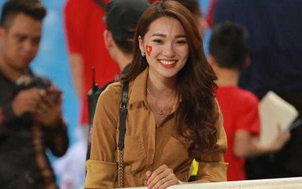 Ăn mừng bàn thắng của Quang Hải, CĐV trên sân Mỹ Đình lập kỷ lục AFF Cup 2018