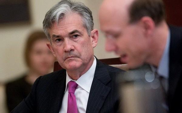Fed nâng lãi suất cơ bản đồng USD bất chấp Tổng thống Trump phản đối