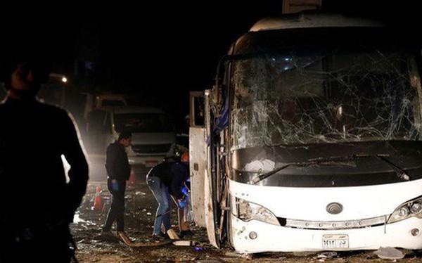 Xe chở đoàn du khách Việt Nam bị đánh bom ở Ai Cập: Ít nhất 14 người thương vong