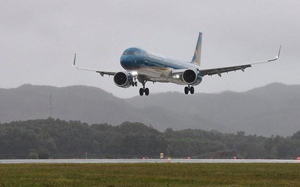 Máy bay chở Thủ tướng đáp xuống sân bay Vân Đồn