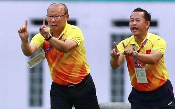 """Cựu trợ lý Lê Huy Khoa lý giải """"scandal"""" thầy Park đổ lỗi cho Văn Lâm sau trận thua Iraq"""