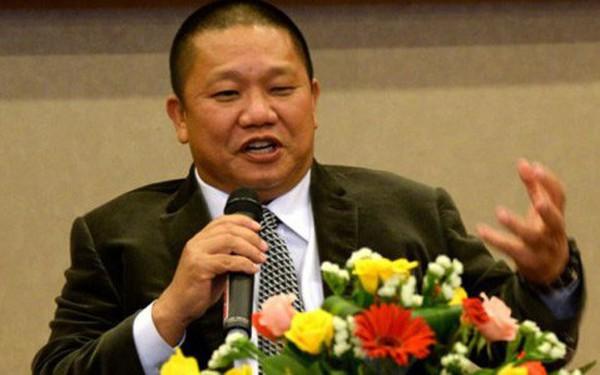 Lên núi tĩnh tâm, 1 tháng chỉ điều hành công ty 4 tiếng, ông Lê Phước Vũ cho rằng giá cổ phiếu Hoa Sen giảm do một 'thế lực ngầm' chi phối