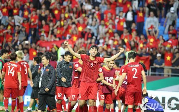 1 năm thành công của bóng đá Việt Nam: Cảm ơn các ông bầu, cảm ơn những lò đào tạo trẻ!