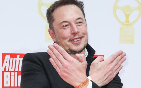 Elon Musk: Từ cậu bé lập dị tuổi Tân Hợi trở thành doanh nhân lừng lẫy toàn thế giới