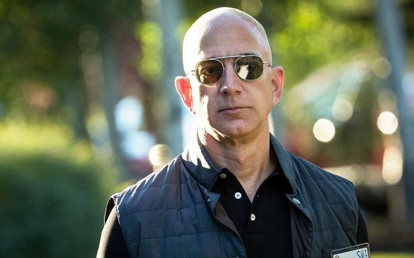 """Jeff Bezos: """"Loại bỏ thuyết trình bằng PowerPoint và ngồi họp im lặng trong 30 phút là điều thông minh nhất chúng tôi từng làm tại Amazon"""""""