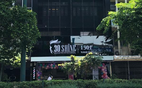 Chuỗi tóc nam 30Shine vừa mở chi nhánh đầu tiên ở Thái, khách đông nườm nượp chẳng kém gì Việt Nam