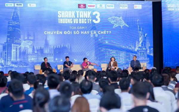 Lãnh đạo các công ty công nghệ hàng đầu VN chia sẻ về chuyển đổi số: Cả làng Vũ Đại đã giàu lên nhờ nghề kho cá và internet, vì thế DN đừng quá lo lắng, hãy quan sát cái nhỏ nhặt nhất rồi thay đổi