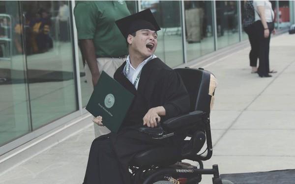 Sở hữu 2 bằng đại học, du học sinh Việt bại não tại Má»¹: Tôi chỉ là một người bình thường và sở hữu thêm 'khuyết tật' mà thôi
