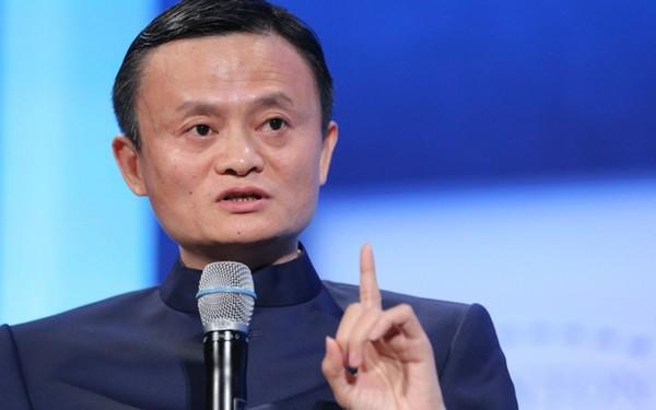 """Jack Ma: """"Không có người phụ nữ tán gia bại sản, chỉ có người phụ nữ yêu gia đình, kiếp sau tôi muốn làm phụ nữ!"""""""