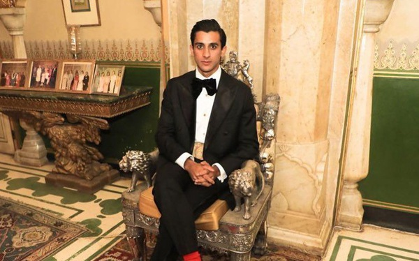 Ông chủ nhà trọ hoàng gia đầu tiên trên Airbnb: Rich kid quý tộc Ấn Độ, 21 tuổi sở hữu 2,8 tỷ USD, cho thuê phòng trong cung điện giá 8.000 USD/đêm