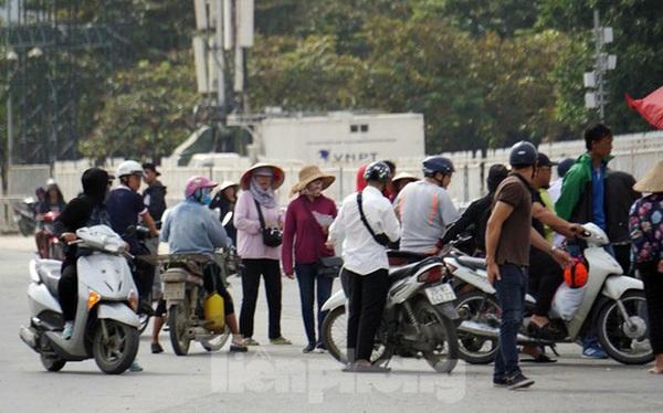 Dân phe 'hét vé' trận Việt Nam - Thái Lan gấp 10 lần giá gốc