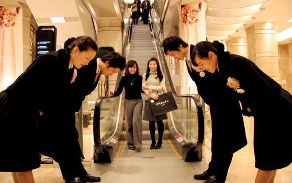 """Chọn """"vào đời bằng lối nhỏ"""", một phòng khám theo đuổi triết lý kinh doanh Nhật Bản tiếp cận 90% khách hàng từ truyền miệng"""