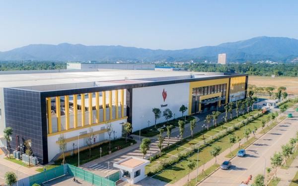Vinsmart chính thức đưa tổ hợp sản xuất thiết bị điện tử thông minh vào hoạt động, quy mô gần 15 ha, công suất 26 triệu thiết bị/năm, dư cung trong nước và đủ trình đáp ứng đơn hàng toàn cầu