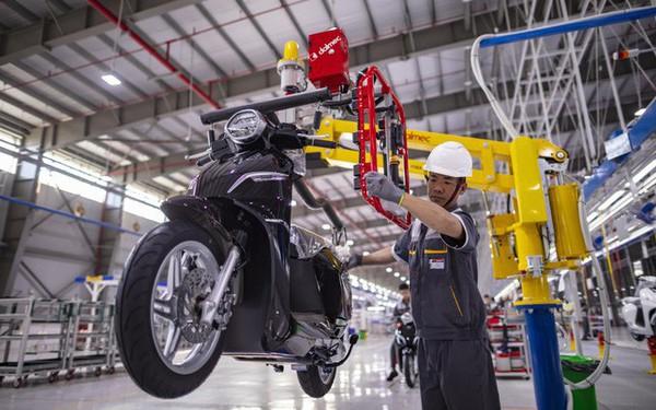 CNN: Xe máy điện VinFast là 1 trong 5 biểu tượng mới của Hà Nội