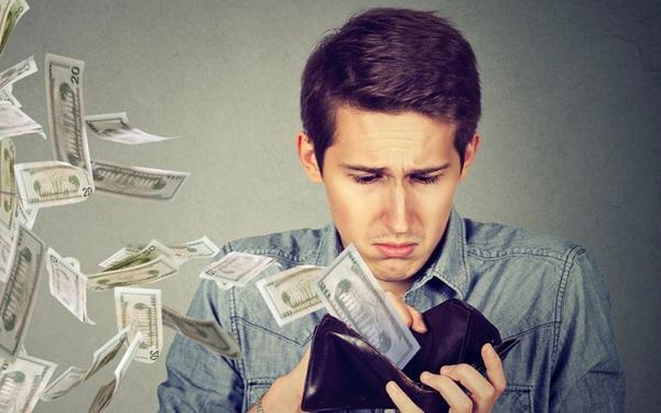 """Lời khuyên của một nhân viên công sở hơn 30 tuổi: """"Đường lui chắc chắn nhất cho tương lai là tiết kiệm tiền và dừng shopping lãng phí!"""""""