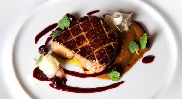 """Phía sau cuộc tranh cãi về """"địa ngục"""" món gan ngỗng béo trị giá hàng tỷ EUR: Pháp là quốc gia sản xuất 75% lượng foie gras toàn cầu, cung ứng gần 20.000 tấn mỗi năm"""