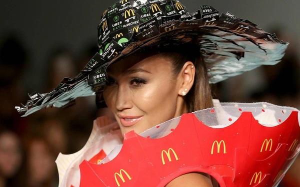 McDonalds bất ngờ chuyển hướng bán quần áo, phụ kiện thời trang, một vài sản phẩm ngay lập tức cháy hàng