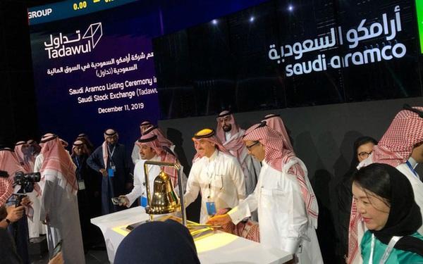 """Cổ phiếu của Aramco tăng kịch trần trong phiên giao dịch đầu tiên, tiến sát mức định giá 2 nghìn tỷ USD và đưa Ả Rập vào """"top"""" 10 TTCK lớn nhất thế giới"""