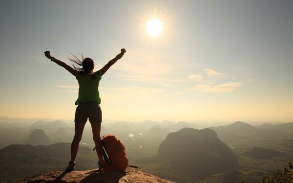 Nếu bạn luôn tự ti và yếu đuối, hãy thử 10 cách này để giúp bản thân tự tin và mạnh mẽ hơn trong cuộc sống