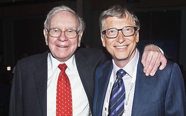 Nổi tiếng là tỷ phú giản dị, vì sao Warren Buffett lại khuyên Bill Gates: Muốn hạnh phúc, hãy dành 6% tài sản để mua nhẫn đính hôn như tôi!