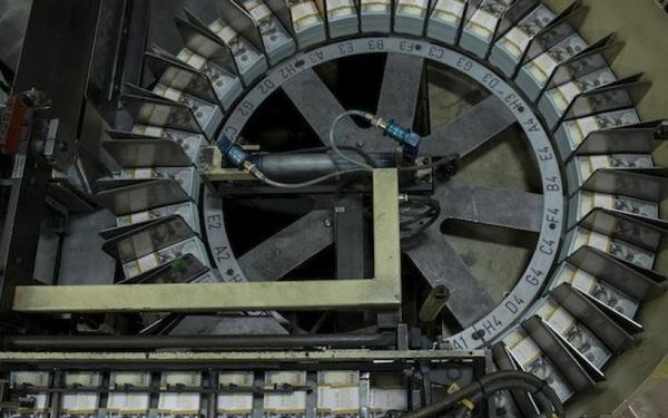 Nhà máy in tiền lớn nhất thế giới… hết tiền