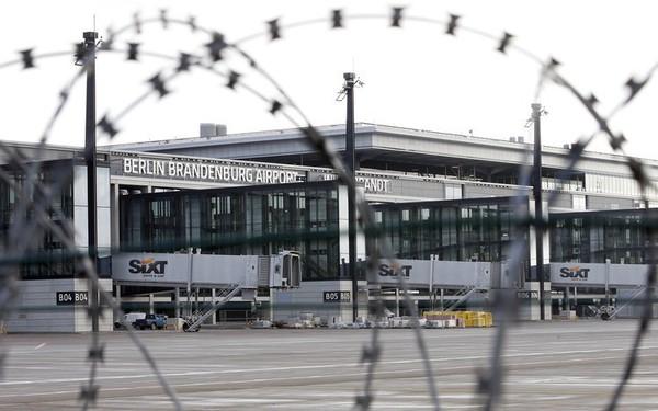 Sân bay 'ma' ở Berlin: Màn hình hiển thị chuyến bay hoạt động, mỗi tháng ngốn 10 triệu euro phí bảo trì, quản lý nhưng suốt 7 năm không có một hành khách nào