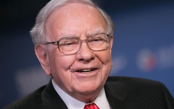 Tỷ phú Warren Buffett: Tôi yêu mỗi ngày và nếu bằng tuổi tôi mà chẳng ai yêu bạn thì dù tài khoản ngân hàng đầy ắp tiền, cuộc đời bạn vẫn là một thảm họa