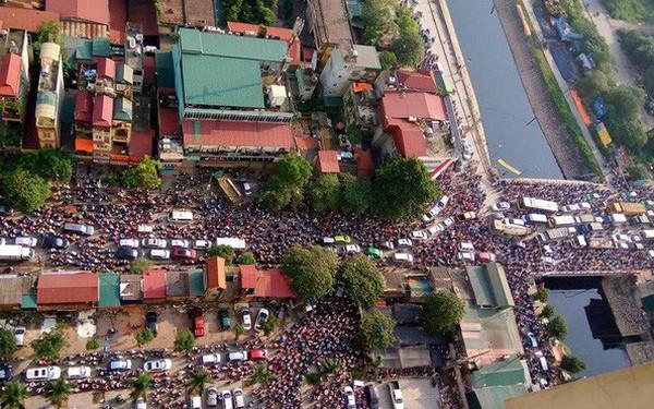 """Hà Nội dành chưa đến 9% diện tích phát triển giao thông và cuộc """"tháo chạy"""" của giới văn phòng khỏi khu vực trung tâm"""
