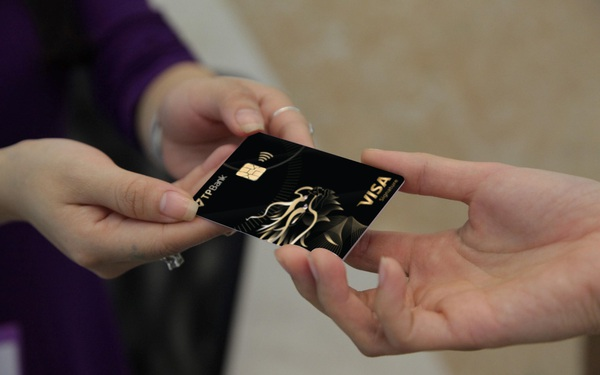 TPBank Visa Signature: Hoàn tiền trọn đời, không giới hạn lĩnh vực chi tiêu