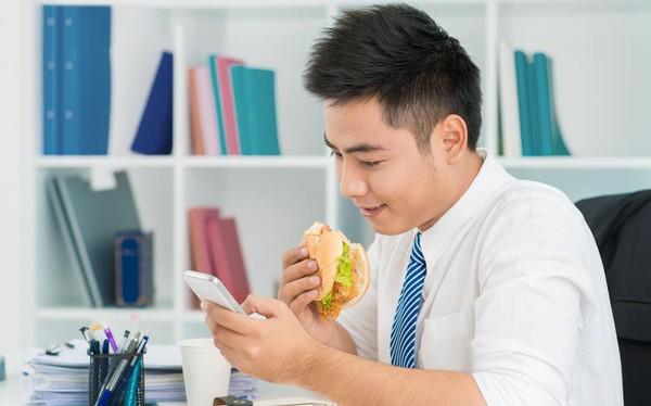 """""""Vạch trần"""" những thói quen phổ biến khiến dân văn phòng thường xuyên mất tập trung, mệt mỏi"""